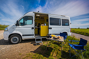 Campervan hire West Grinstead
