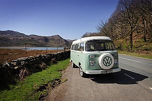 Volkswagan T2 Baywindow Campervan Campervan  for hire in  Garndolbenmaen